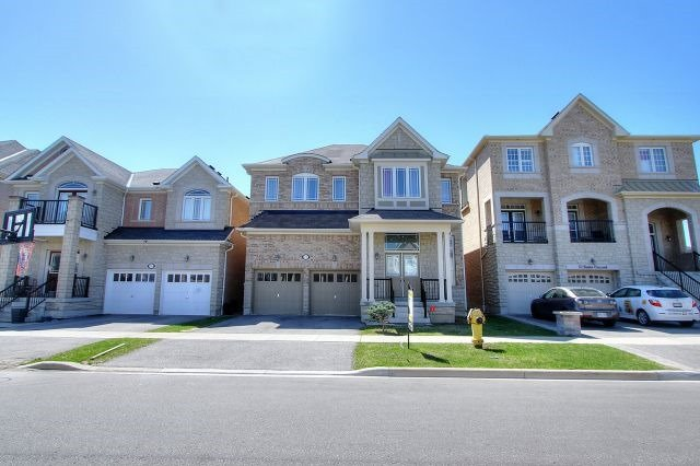 11 Brider Cres, Ajax