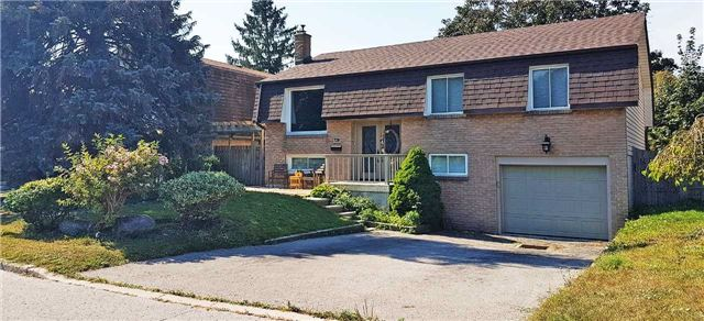 728 Pickering Beach Rd, Ajax