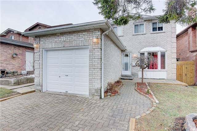 11 Trawley Cres, Ajax