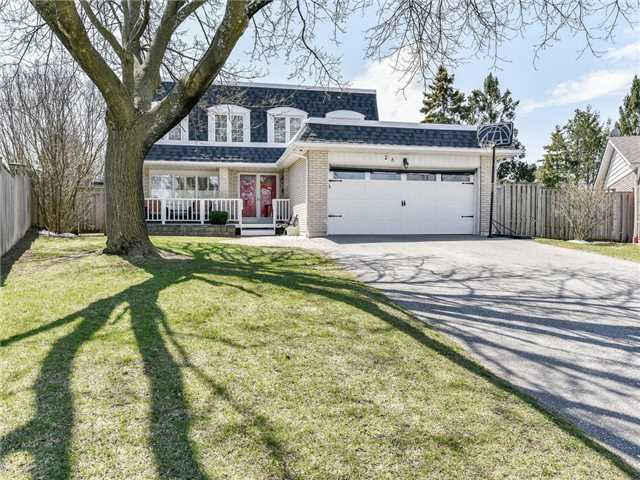 28 Easton Crt, Ajax
