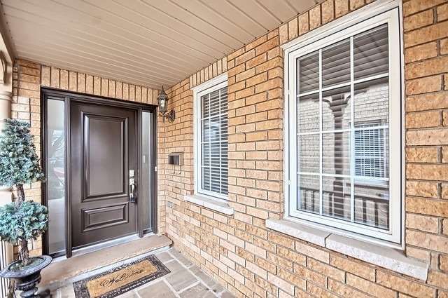 271 Paxton Cres, Newmarket