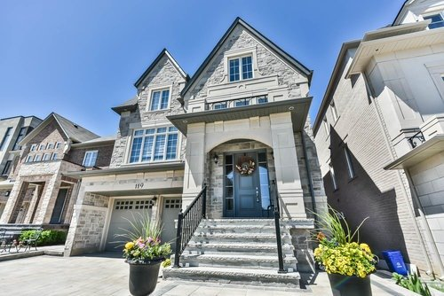 119 Abner Miles Dr, Vaughan