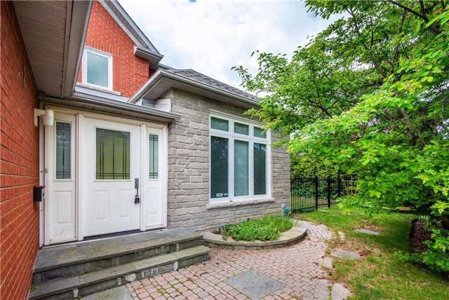 2 Turnberry Cres, Markham
