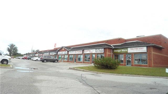 110 Saunders Rd, Barrie